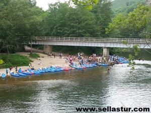 descenso en canoa -puente de Toraño